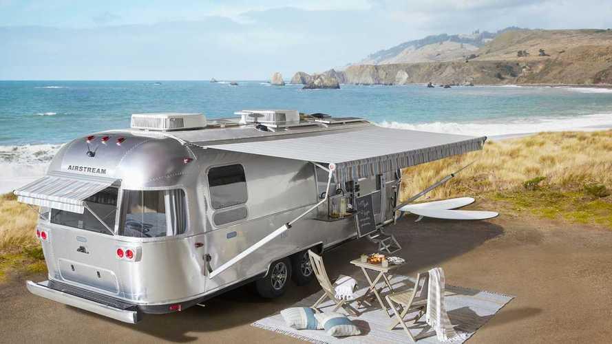 """Une caravane Airstream très spéciale pour voyager """"rustique chic"""""""