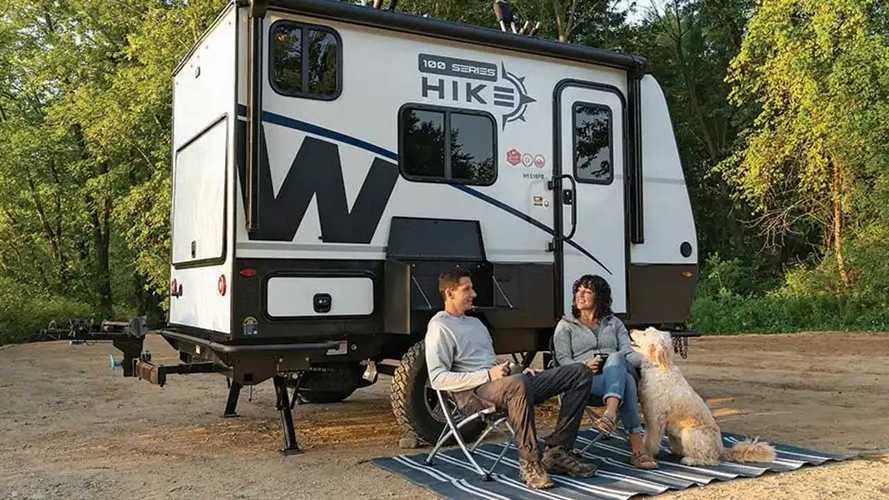 Winnebago dévoile sa petite caravane Hike 100 pour l'aventure