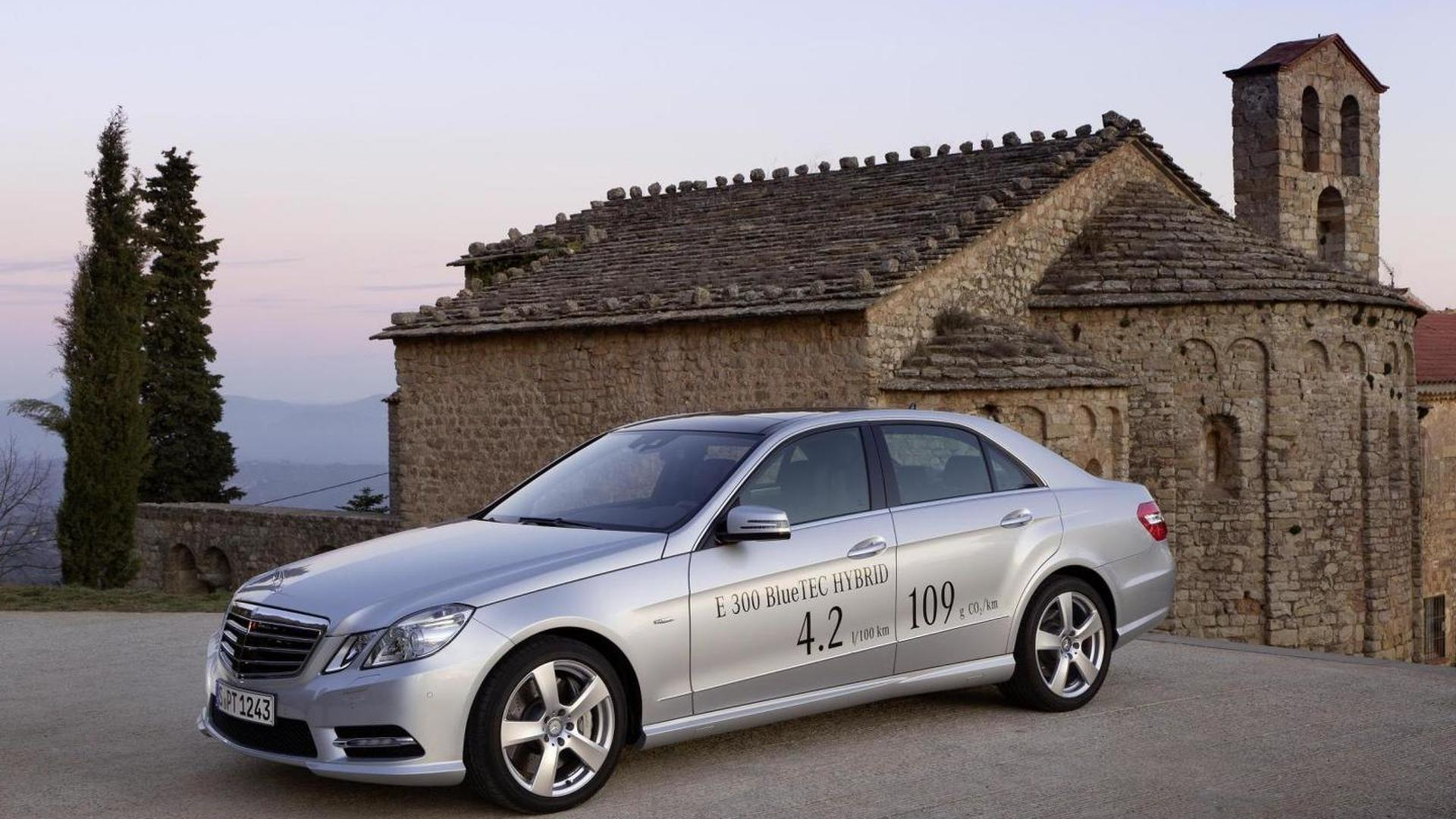 Mercedes E300: specifications, photos