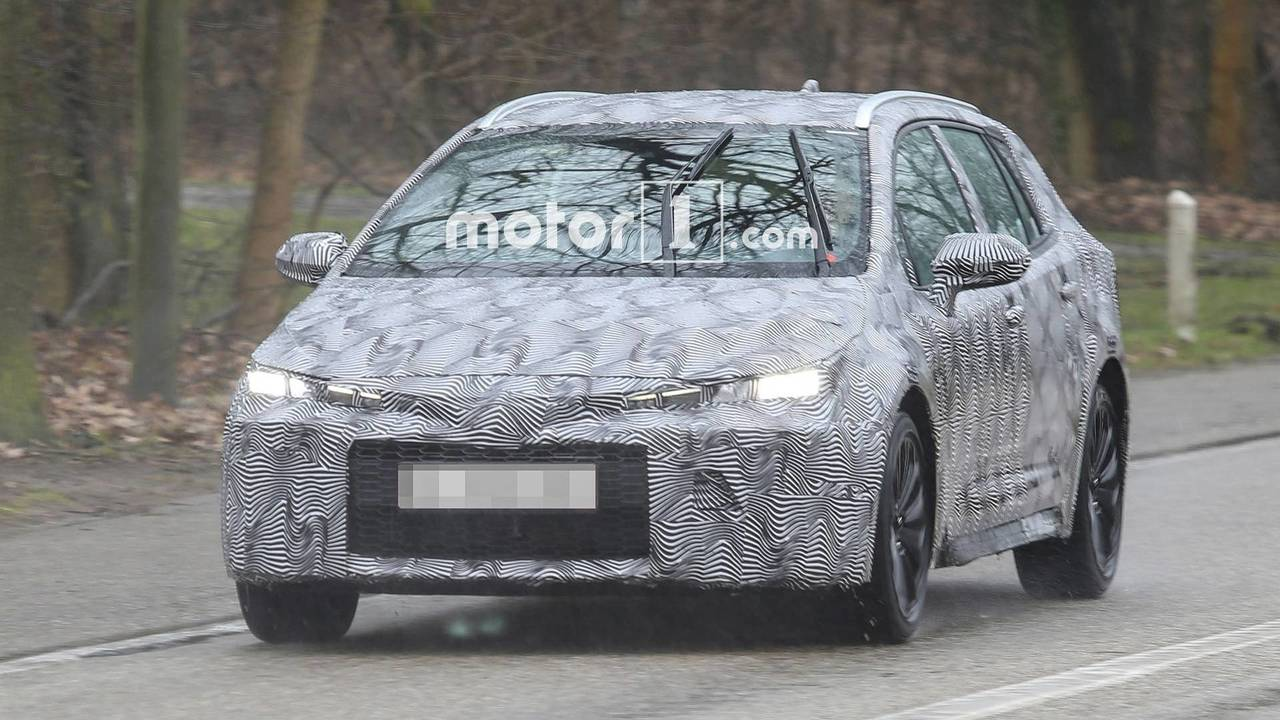 Toyota Auris Touring Sports 2019 fotos espía