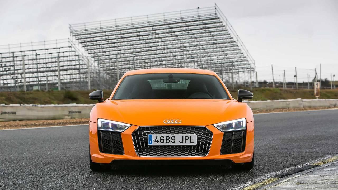 2016 World Performance Car: Audi R8