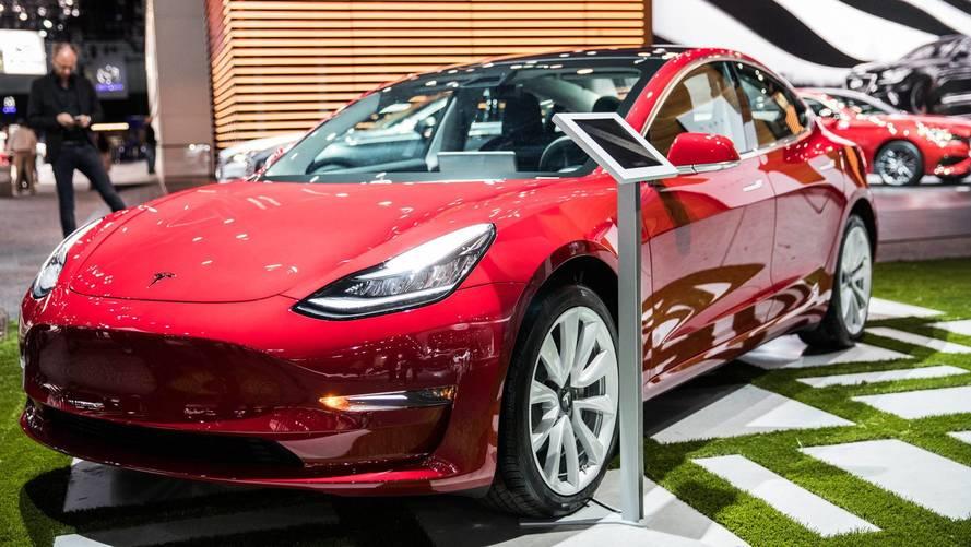 Teljes mértékben hangvezérelt lehet a Tesla Model 3