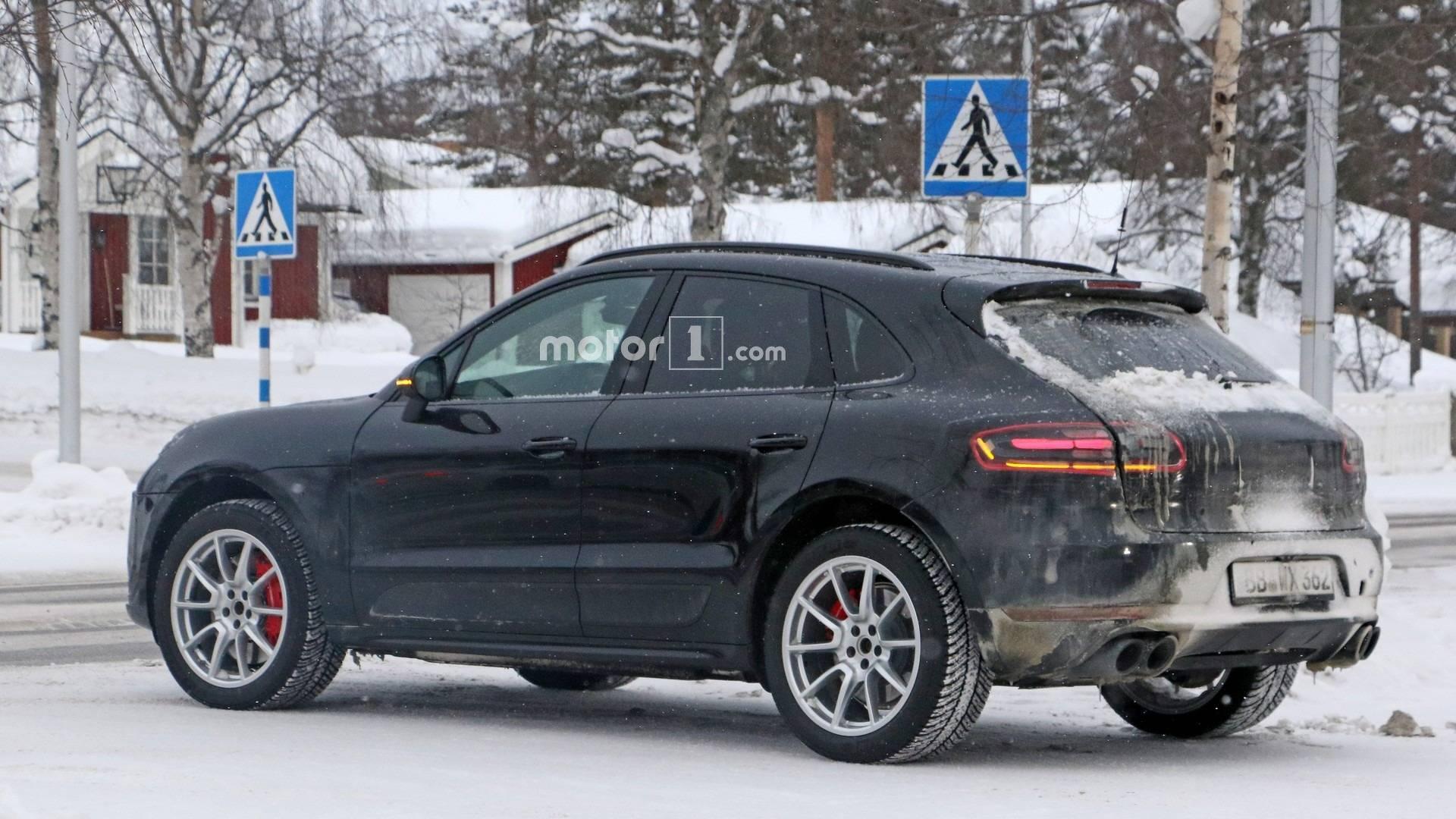 2019 Porsche Macan Spied Inside With Larger Infotainment Screen