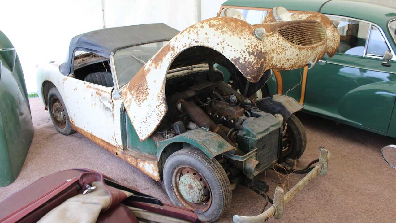 Market: 1961 Frogeye Sprite project sells for £11k. Wow!