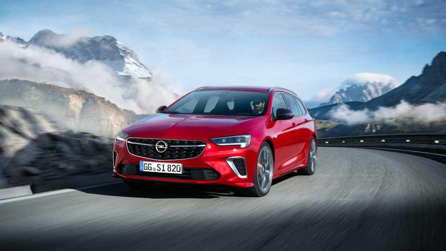 Opel Insigna GSi restyling, berlina e station da 230 CV