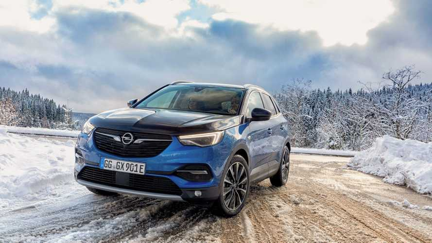 Opel Grandland X Hybrid4 Reaches Dealerships In Germany