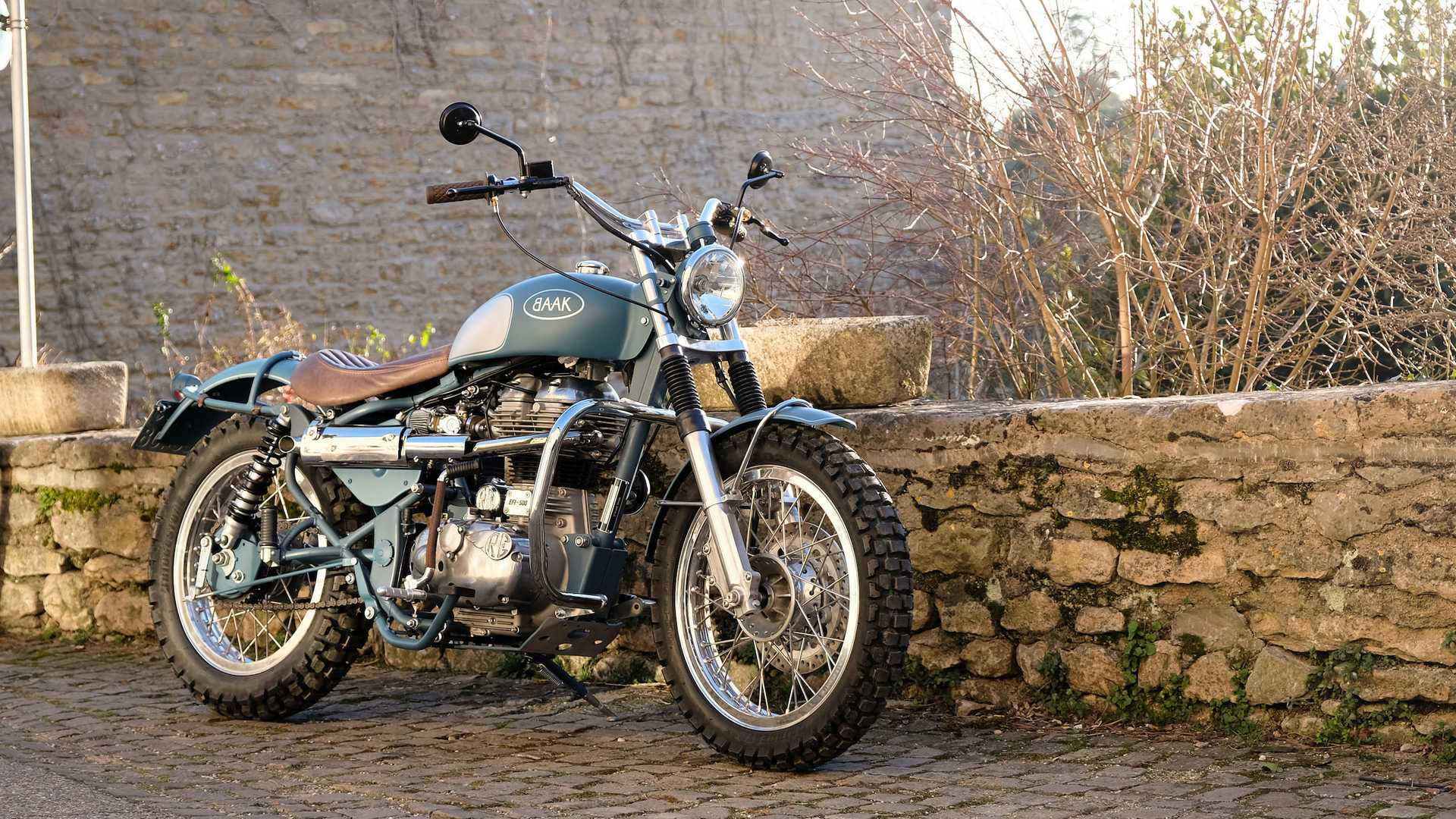 Barebones Stunner Custom Royal Enfield Classic 500