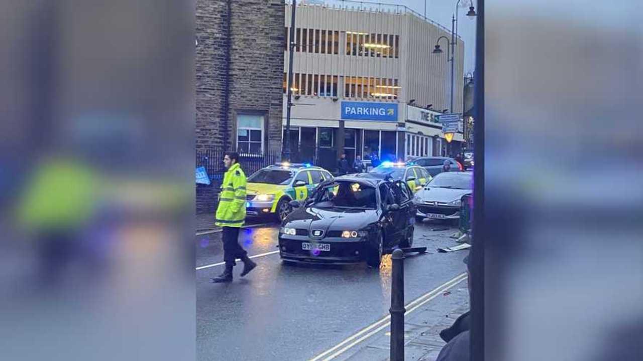İngiltere'de SEAT Leon Mk1 Sigara Yüzünden Patladı