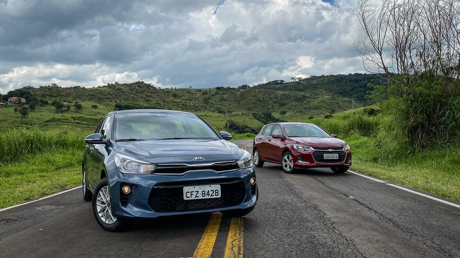 Comparativo: Novato Kia Rio EX encara o líder Chevrolet Onix Premier