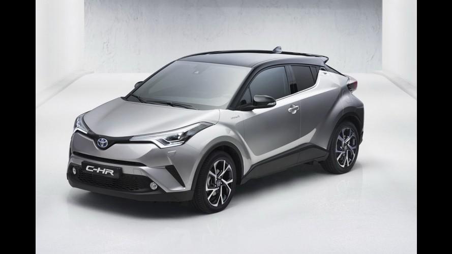 Toyota CH-R crossover modelinin görüntülerini yayınladı