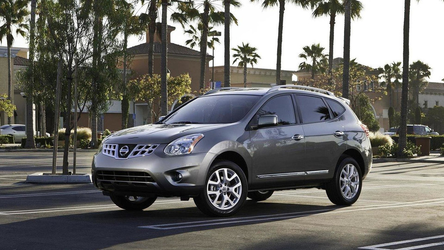 2011 Nissan Rogue minor facelift debuts in U.S.