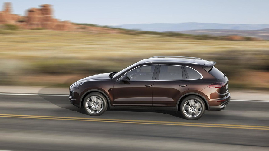 Porsche Cayenne facelift officially introduced with new twin-turbo V6 and plug-in hybrid version