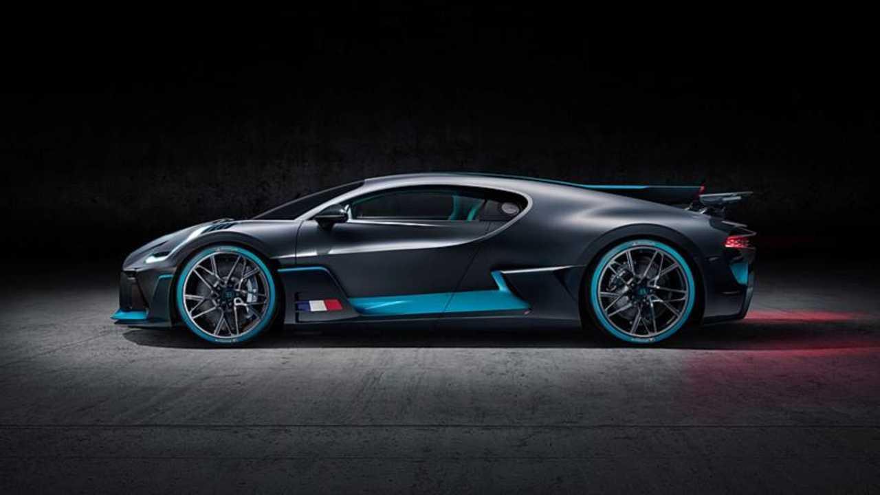Video Bugatti Divo Nao Parece Tanto Com O Chiron Ao Vivo