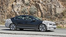 2019 VW Passat GTE facelift spy photo