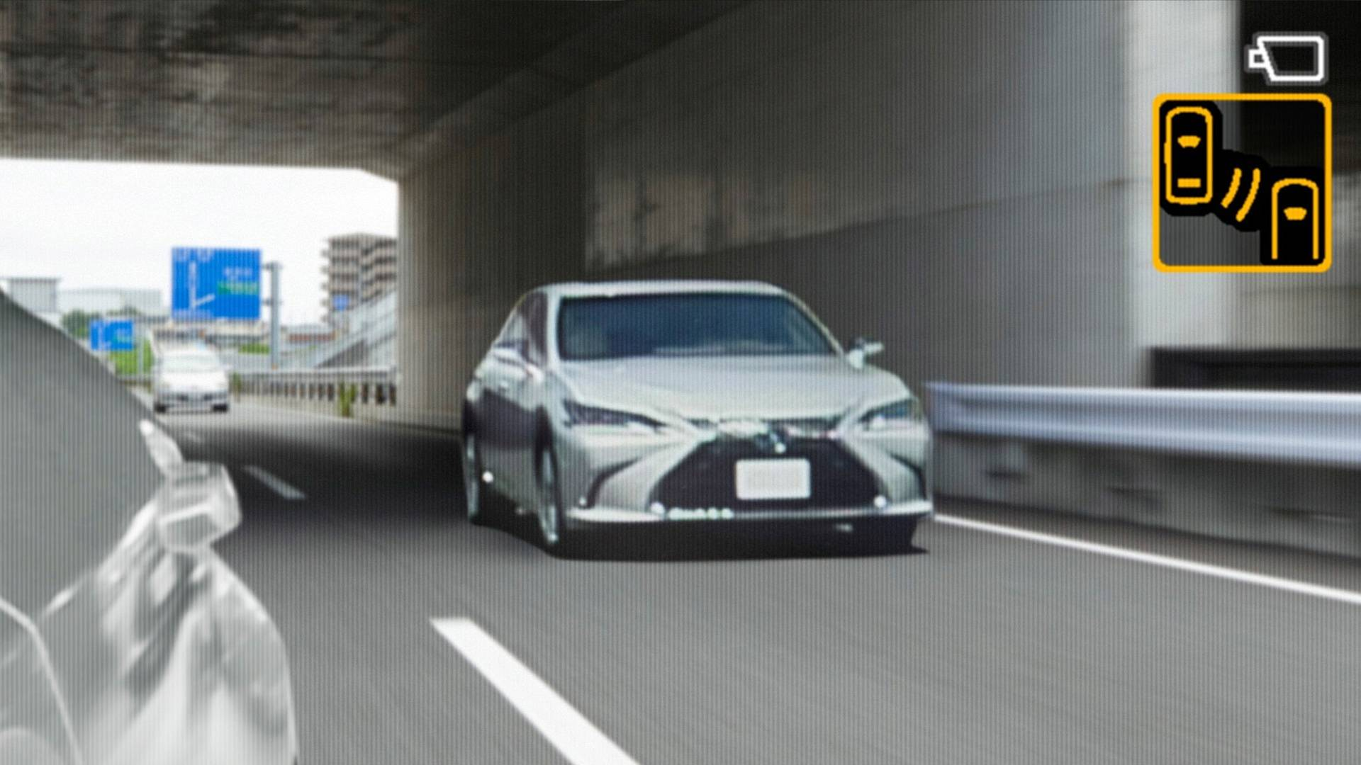 Lexus Es Gets Rearview Cameras To Replace Mirrors They Look Amazing