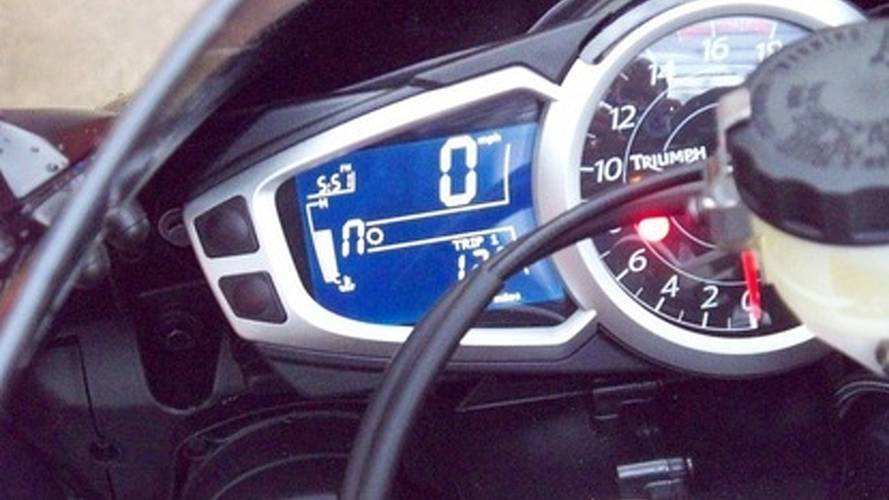 2010 Triumph Daytona 675: blue paint, new clocks
