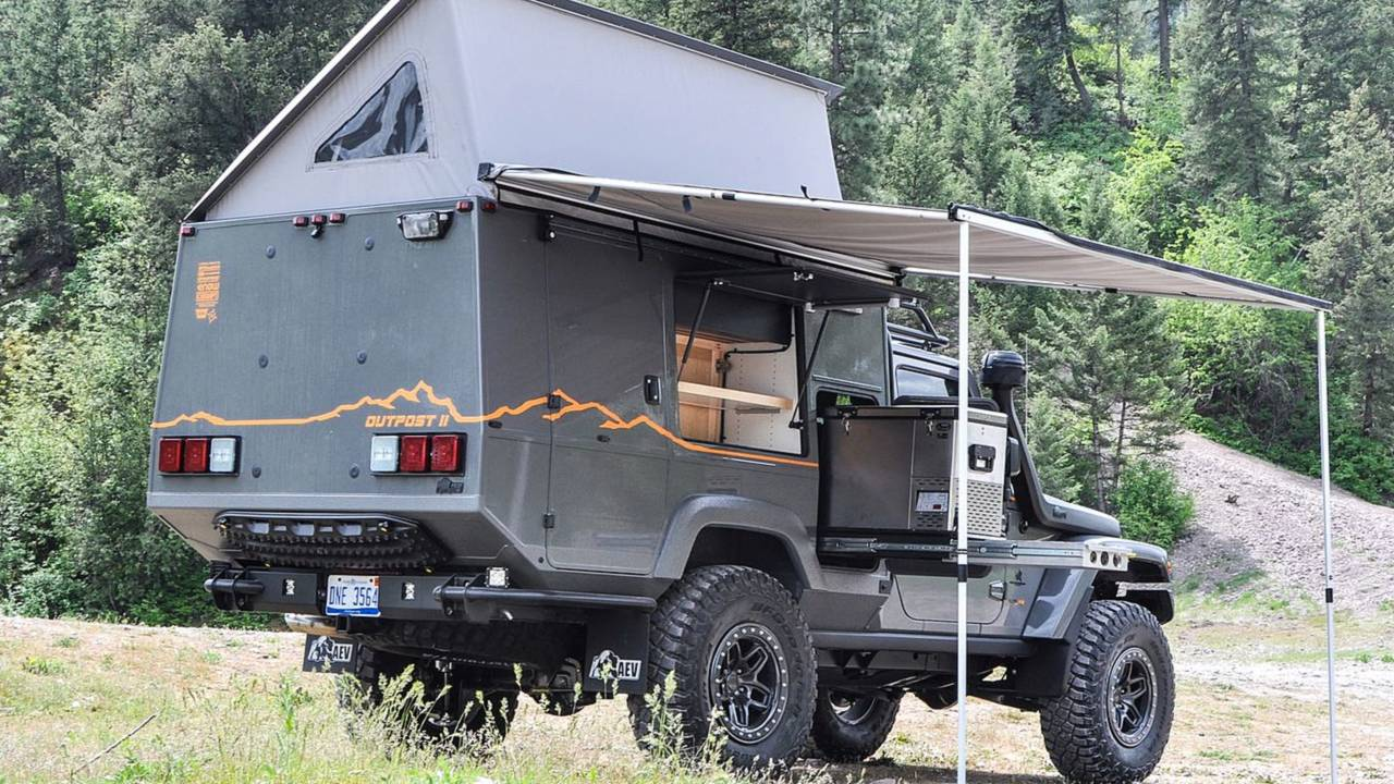 Jeep Wrangler Outpost II camper