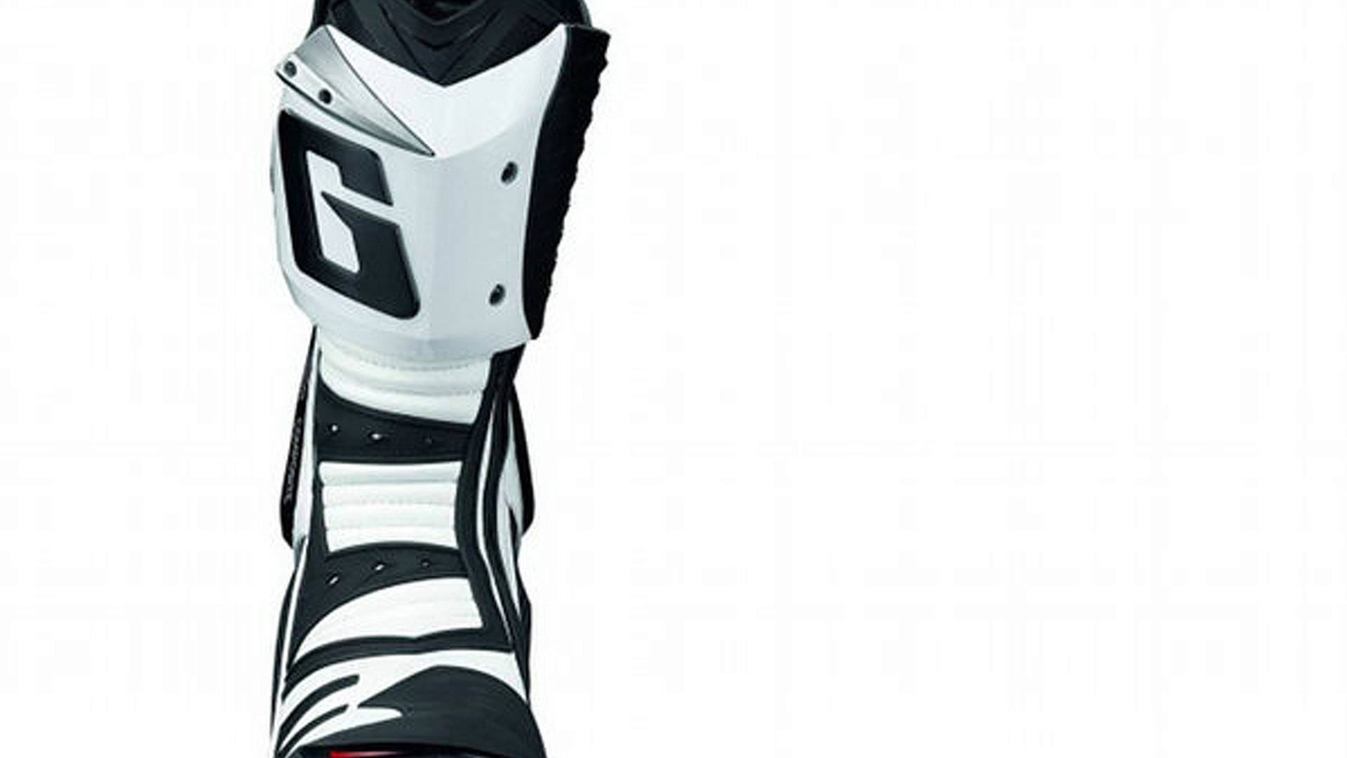 Gaerne GP 1: the other Italian racing boots