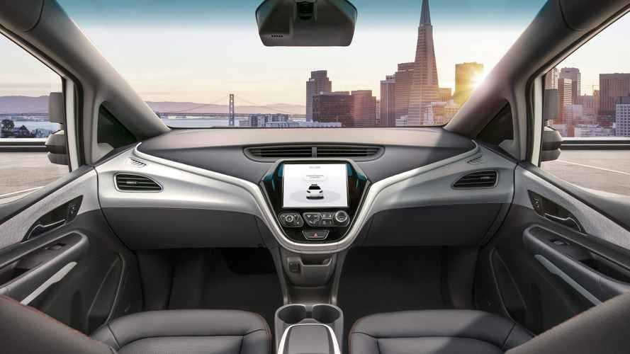 Guida autonoma, chi sacrificheresti in caso di incidente?