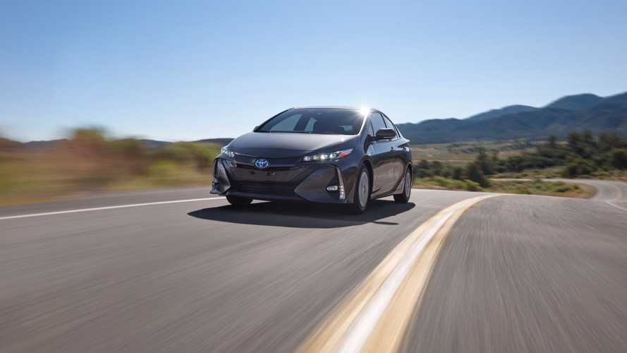 Toyota Dealers Increase Requests For Prius Prime As Sales Exceed Expectations