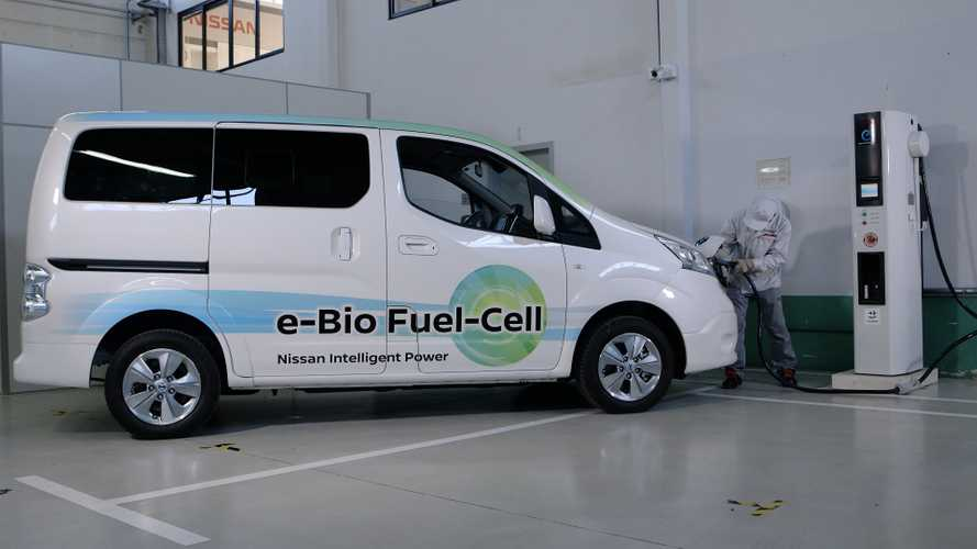 Nissan Unveils World's First Solid-Oxide Fuel Cell e-NV200 - Video