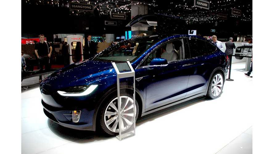 Moscow Tesla Club Tests Tesla Model X - Half-Hour Video Review