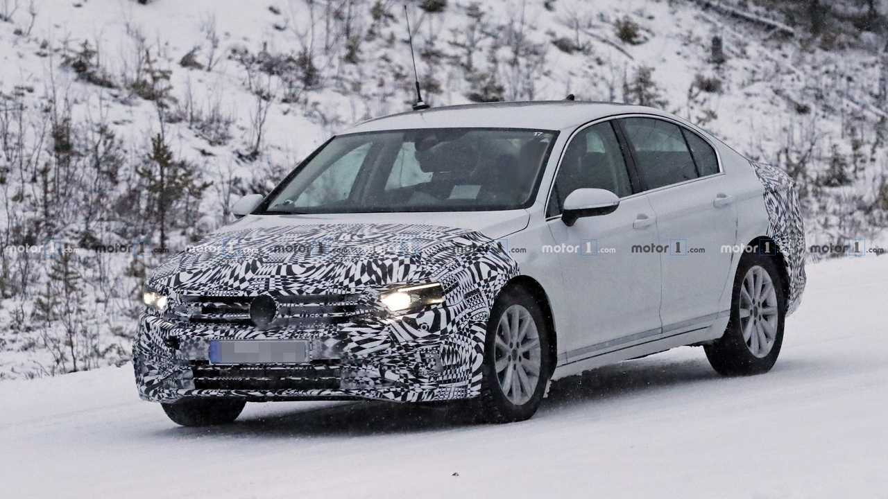 2019 VW Passat spy photo