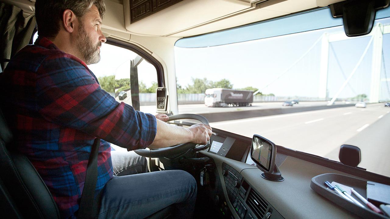 Sat-nav on windscreen