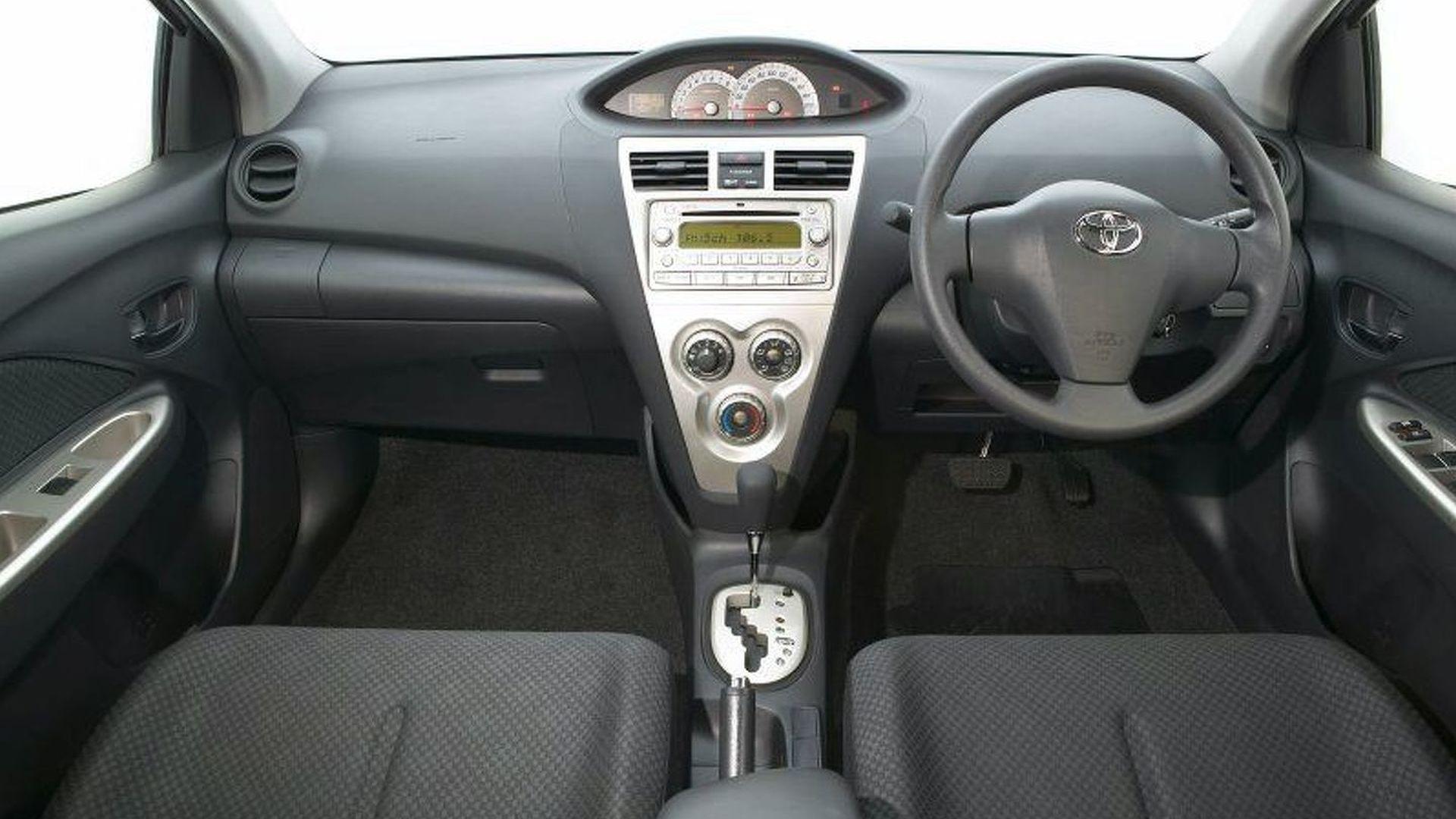Kelebihan Toyota Yaris 2006 Spesifikasi