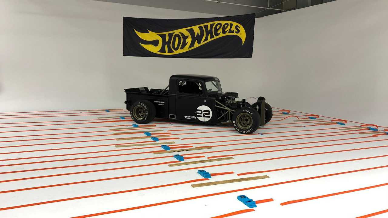 The world's longest Hot Wheels track
