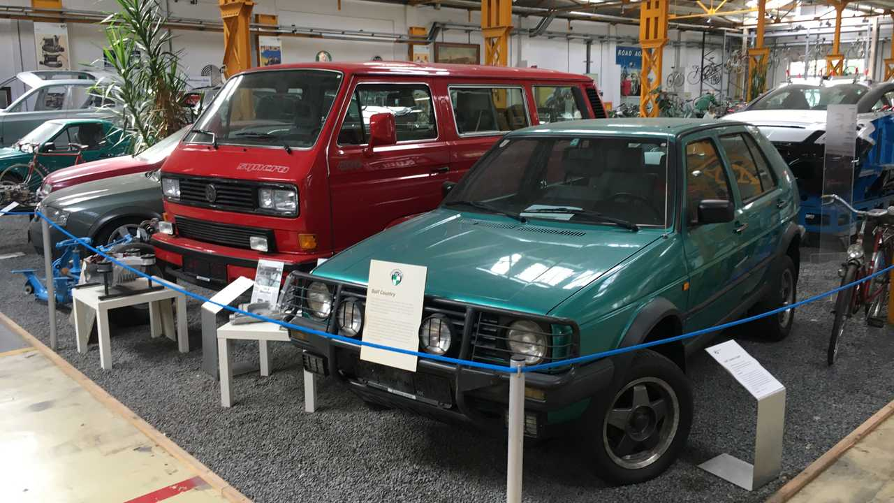 Volkswagen T3 Transporter and Golf Country with Syncro