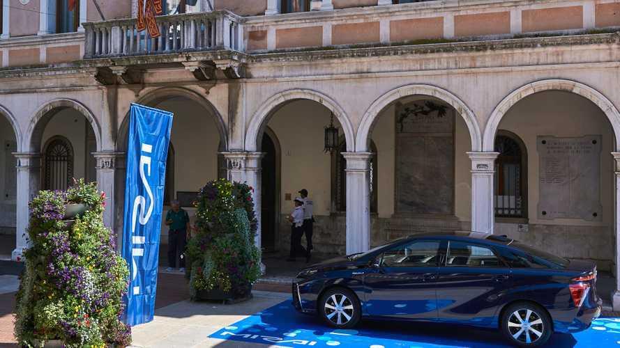 Eni e Toyota insieme per l'idrogeno, presto un distributore a Venezia