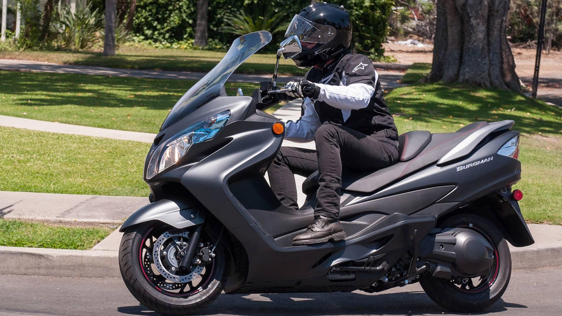 RideApart Review: Suzuki Burgman 400 ABS
