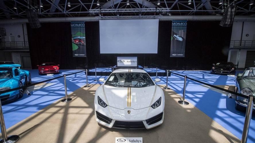 La Lamborghini Huracan del Papa messa all'asta
