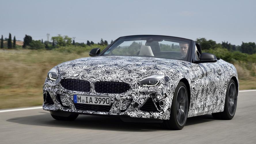 """""""Extrém erőteljes"""" sorhatos erőforrással jön a BMW Z4 M40i Roadster"""