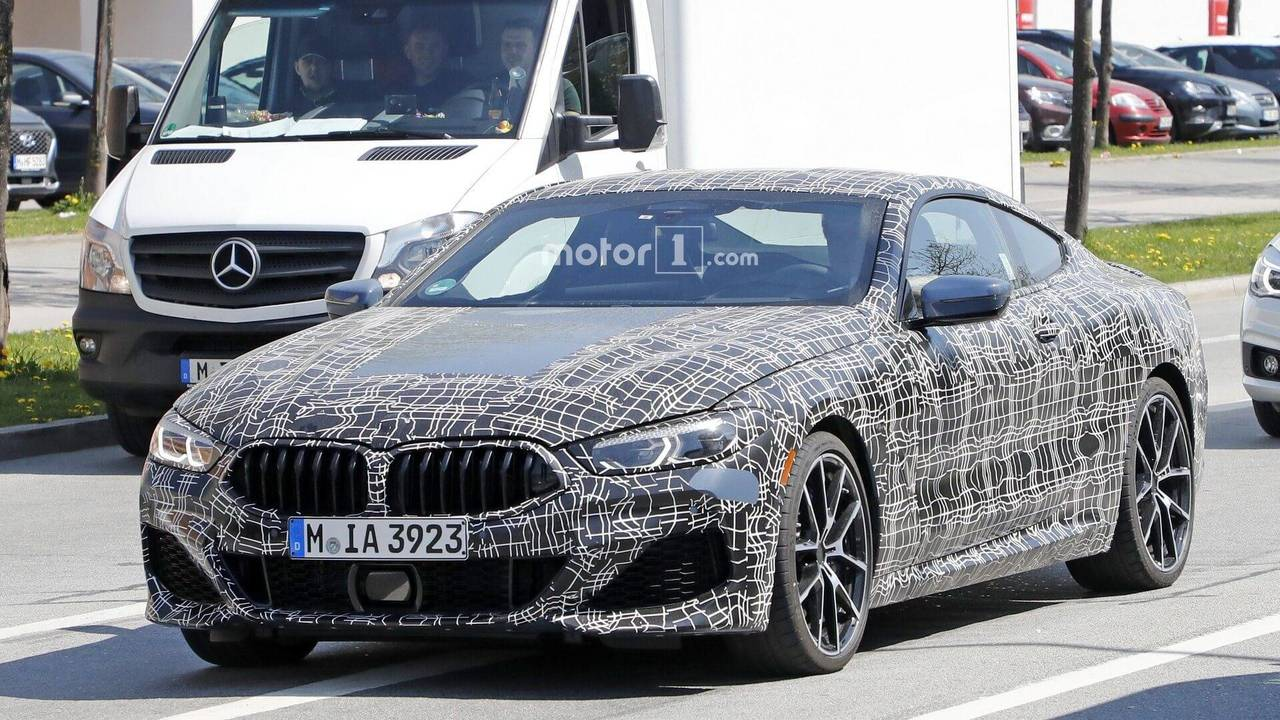 2018 BMW 8 Series Coupe spy photo