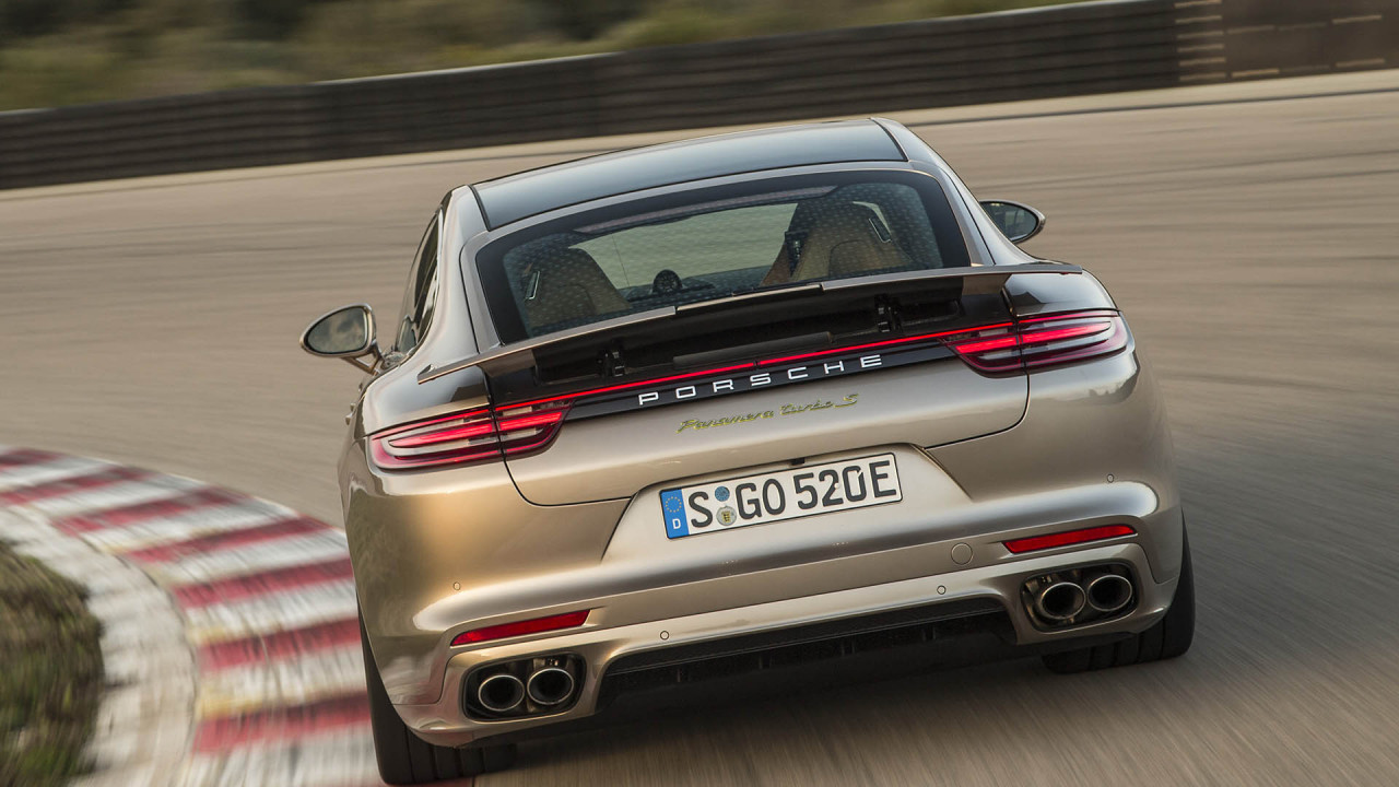 Platz 2: Porsche Panamera Turbo S E-Hybrid; Leistung: 680 PS