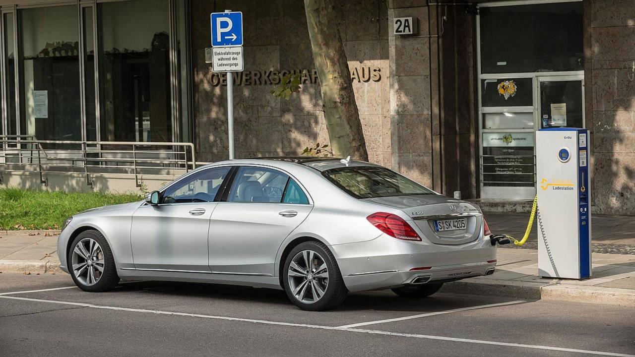 5.- Mercedes S550e