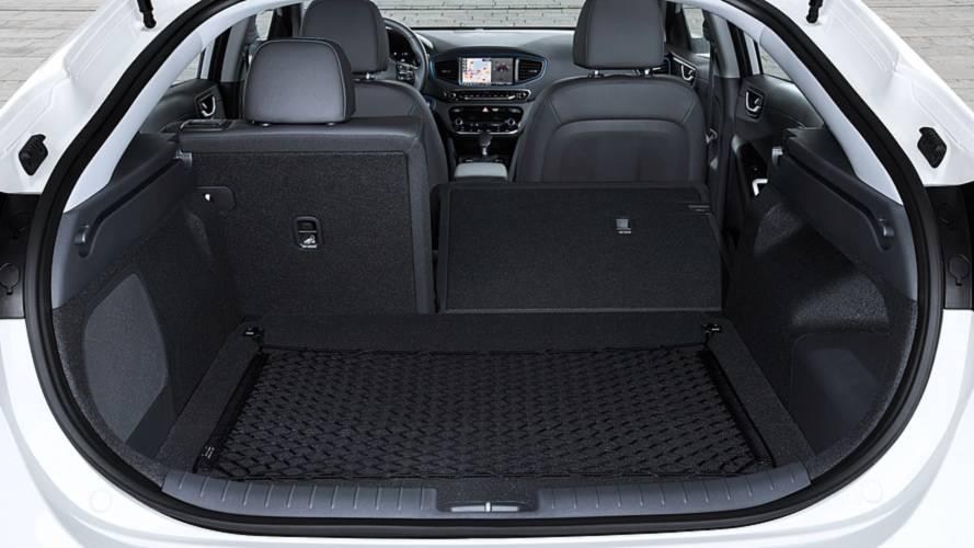 En büyük bagaj hacmine sahip 10 adet D segment sedan ve liftback