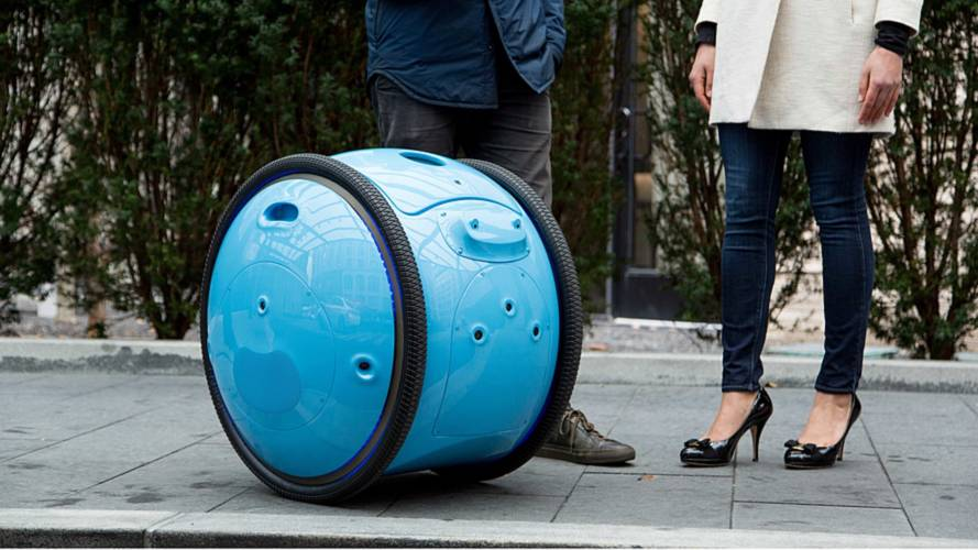 Piaggio Introduces Smart Assistant to Carry Your Bags
