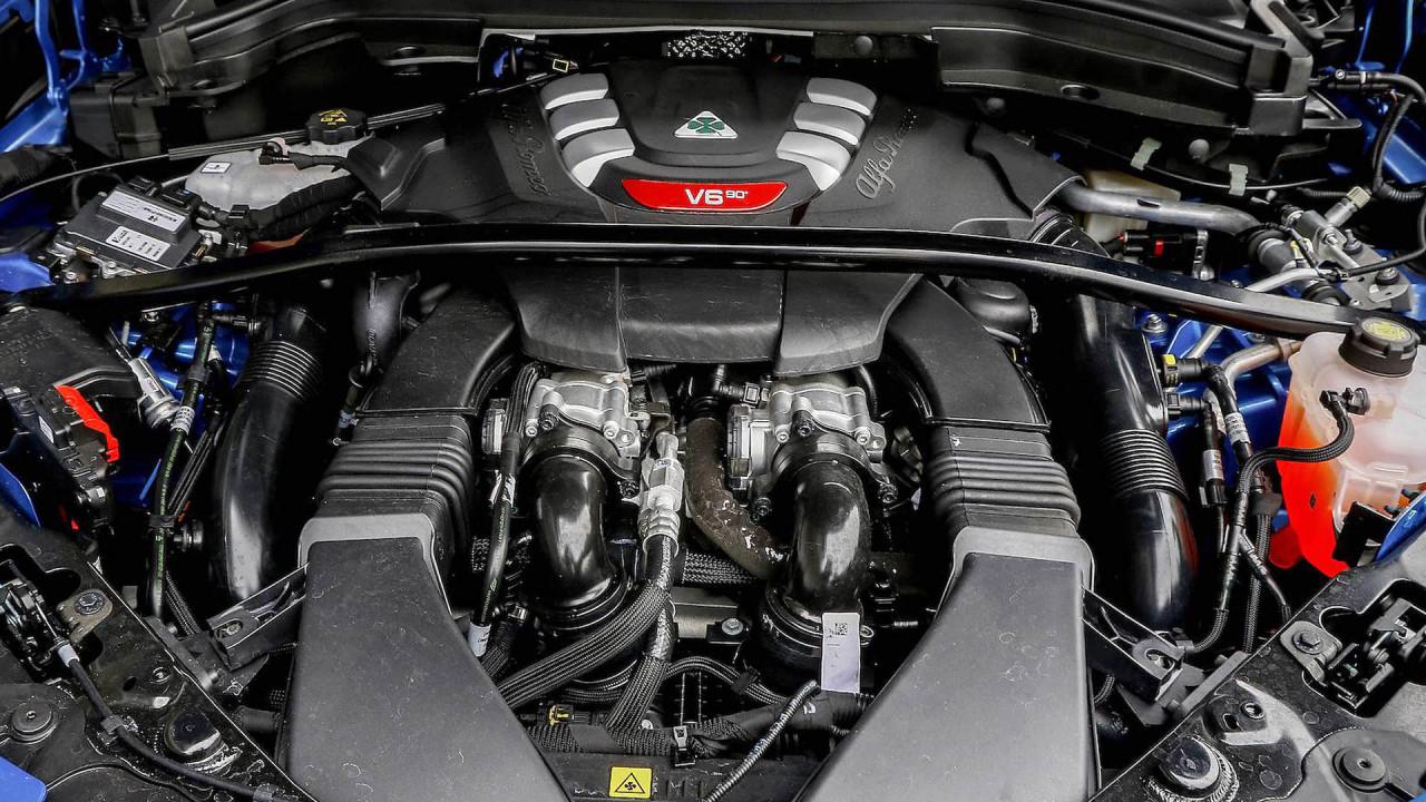 Alfa Romeo Stelvio: Ferrari