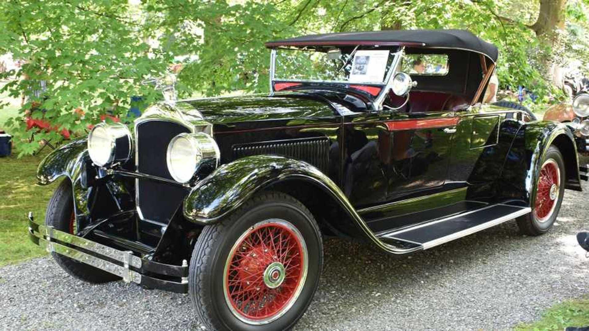 """[""""928 Packard 533 Runabout Gets Award-Winning Restoration""""]"""