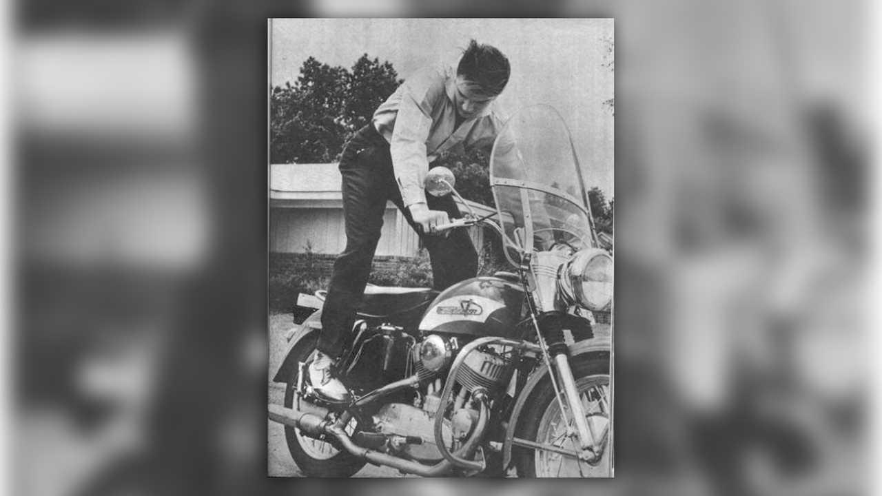 1956 Harley-Davidson KH