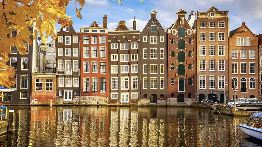 Amsterdam vieta dal 2030 i motori a benzina e diesel