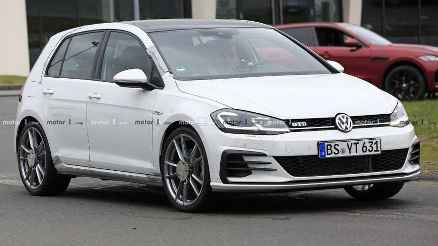 VW Golf prototype spied testing brake dust particle filters