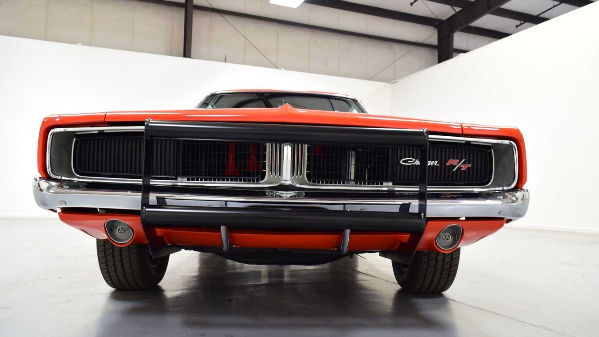 "[""Now's Your Chance To Own A 1969 Dodge Charger General Lee Car""]"