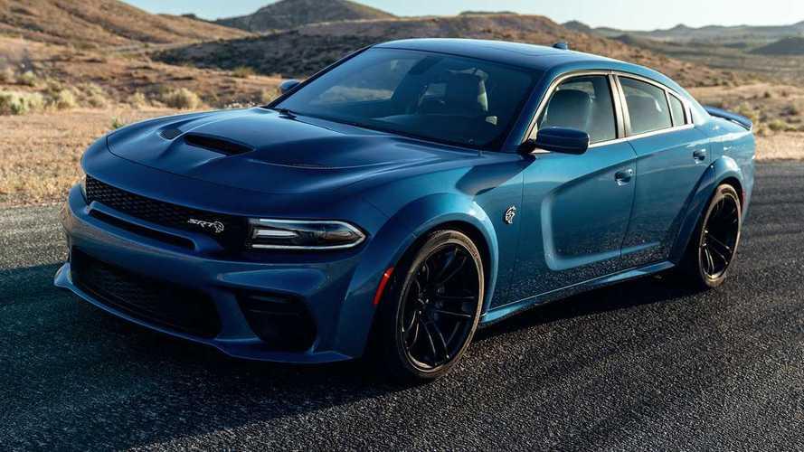 Dodge Charger surpreende ao roubar clientes de Camaro e Mustang