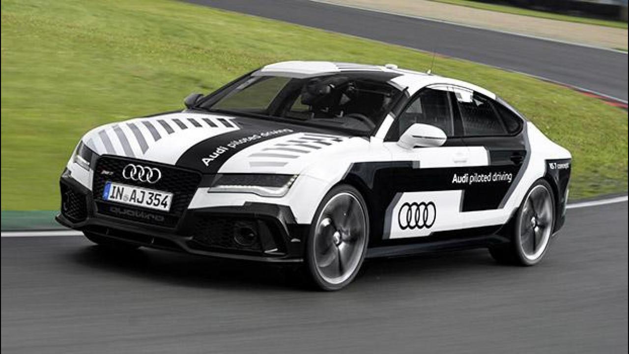 [Copertina] - Audi RS 7, lei corre da sola [VIDEO]