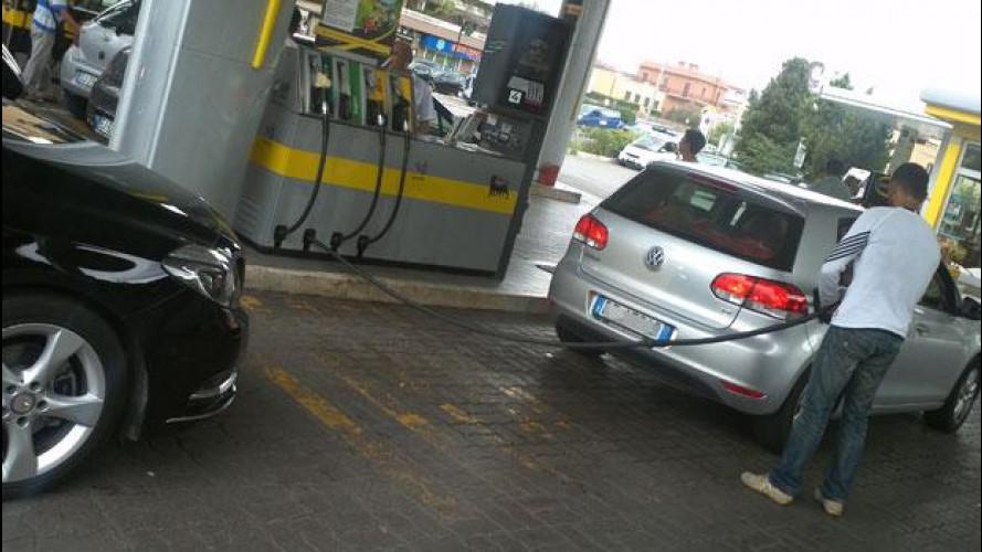 Distributori di carburante: previste nuove chiusure dopo il 2013