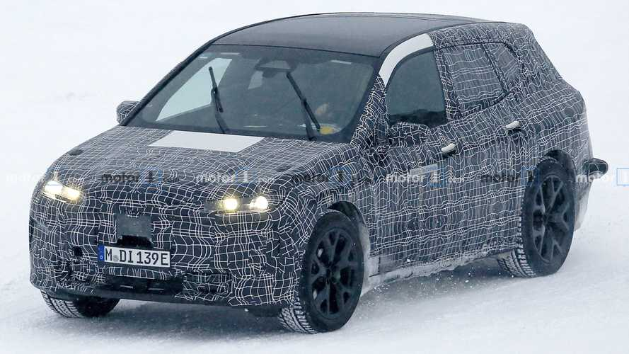 BMW iNext spied in the snow during driver-assist development